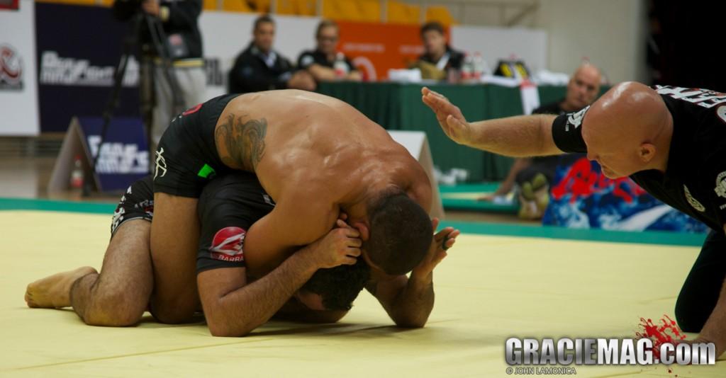 Andre Galvao finaliza Braulio Estima no ADCC 2013 por Lamonica
