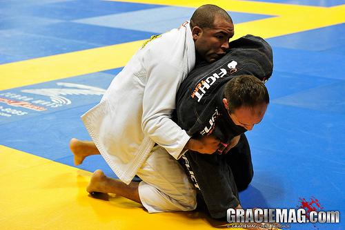 Vídeo: Bruno Bastos ensina detalhes para finalizar pelas costas no Jiu-Jitsu
