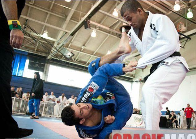 Dois ataques para você turbinar sua guarda aberta no Jiu-Jitsu