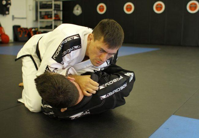 Astro do UFC Rio, Demian Maia ensina a melhor forma de abrir a guarda no Jiu-Jitsu