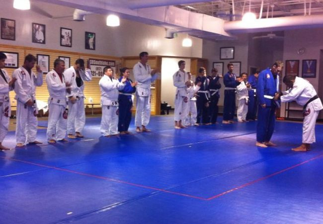 Você começou a treinar Jiu-Jitsu inspirado em que lutador?