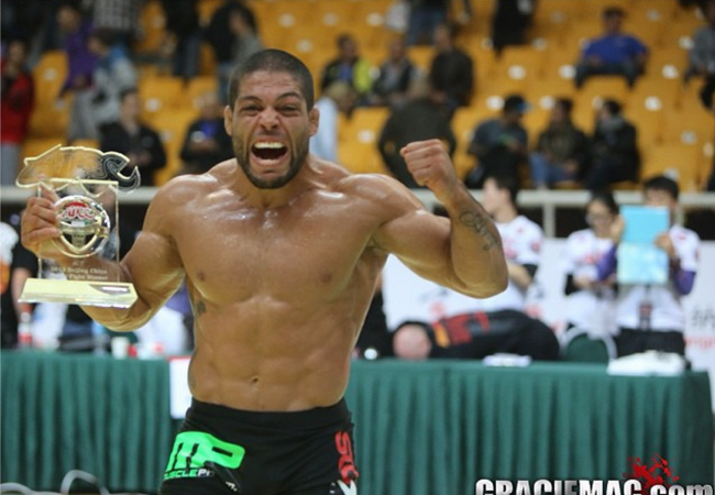 ADCC: Watch how Galvão finished Braulio in the superfight