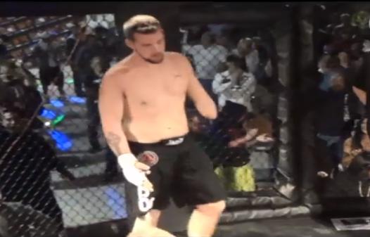 Vídeo: Sem o antebraço, lutador de MMA finaliza oponente no armlock
