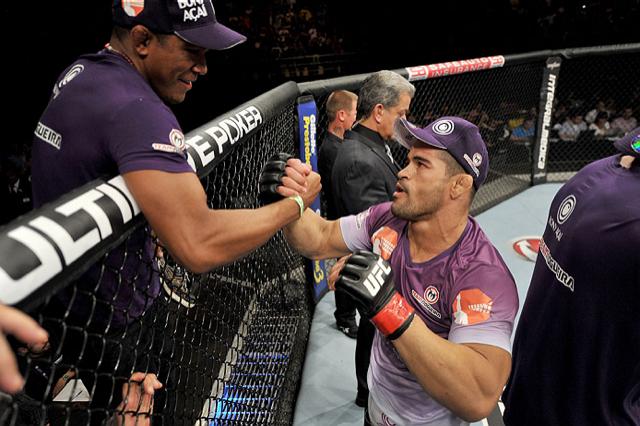 Toquinho após a vitória polêmica no UFC Fight Night. Foto: Divulgação/UFC