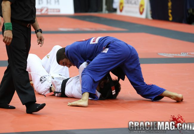 Vídeo: Philipe Della Monica vence peso e absoluto no Chicago Open de Jiu-Jitsu