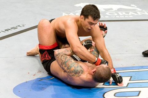 Gongo salva no UFC? Veja Lyoto nocauteando Thiago Silva no último segundo