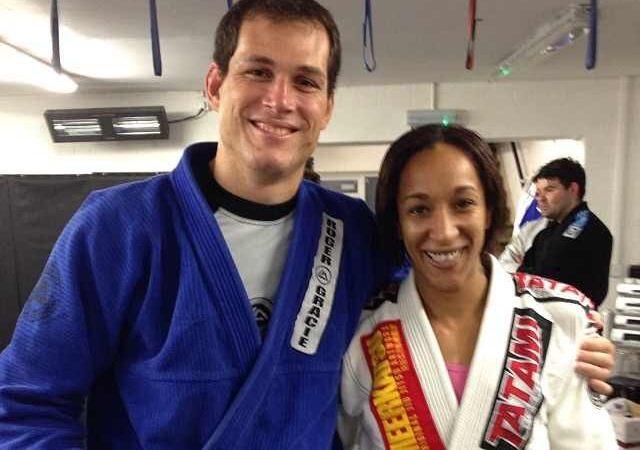 Roger Gracie Promotes His First Female Black Belt in UK