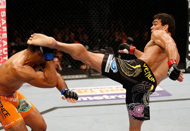 UFC Fight Night 30 Results: Machida headkick KOs Munoz in Manchester