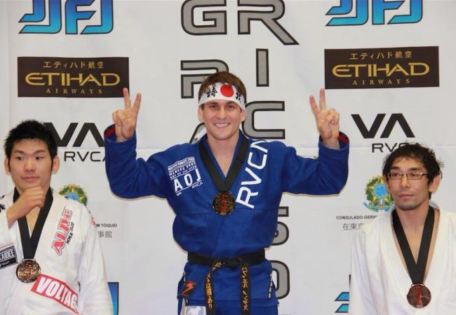 Guess how Rafael Mendes finishes his third match at the 2013 Rickson Gracie Cup