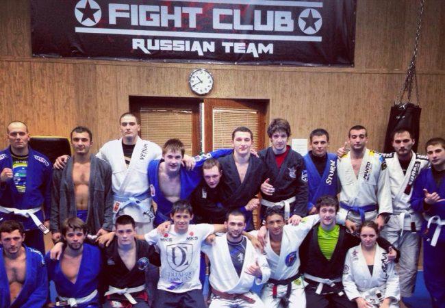 Dudu Dantas treina sambo e dá aulas de Jiu-Jitsu em viagem à Rússia