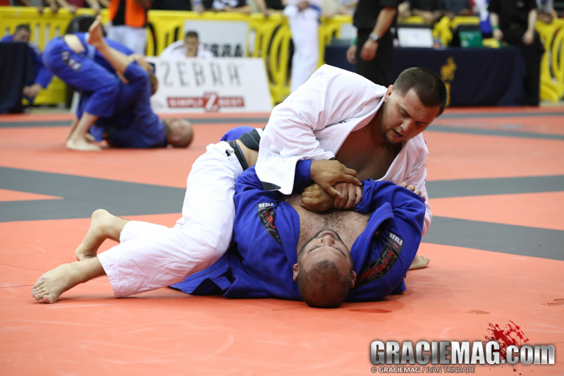 Idriz passing guard at the 2013 Chicago Open