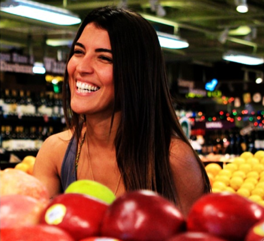 Nutritionist Fernanda Mello at Whole Foods by photographer Tuca Mellao Skaf