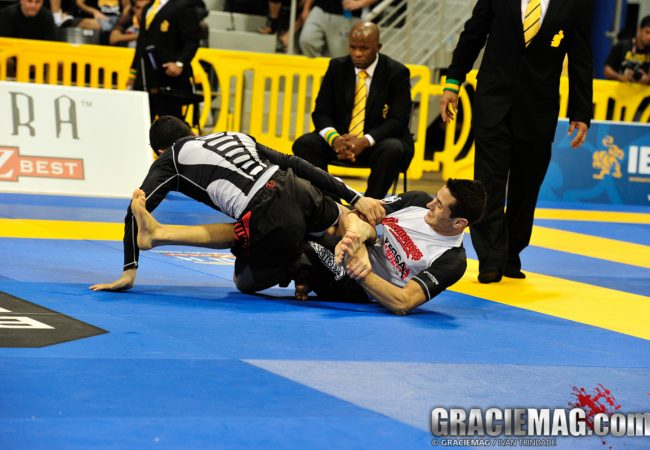 2013 Worlds No-Gi: watch Caio Terra vs. Fabio Passos in the rooster final (HD)
