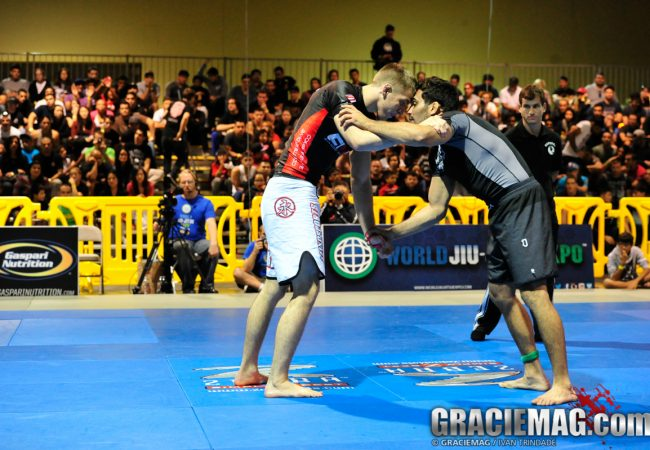 Keenan teaches the armbar he used to catch Lucas Leite