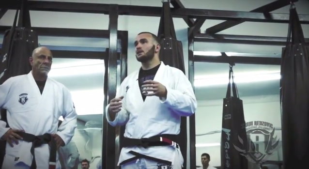 Learn a nice guard pass with Adem Redzovic and Clark Gracie