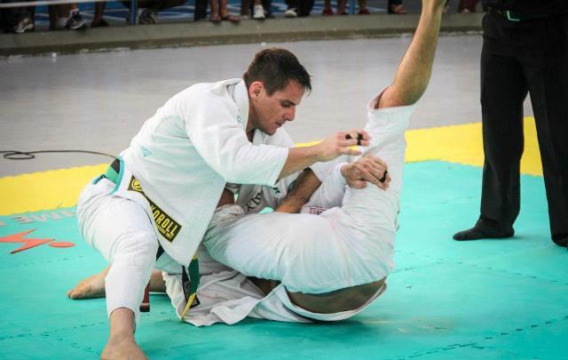 Sul-Americano de Jiu-Jitsu: Tarcísio Jardim vence absoluto faixa-preta