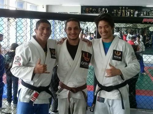 Fernandinho Vieira com Shyudi e Goiti Yamauchi em foto de Ossamu Yamauchi, tio e treinador de Goiti