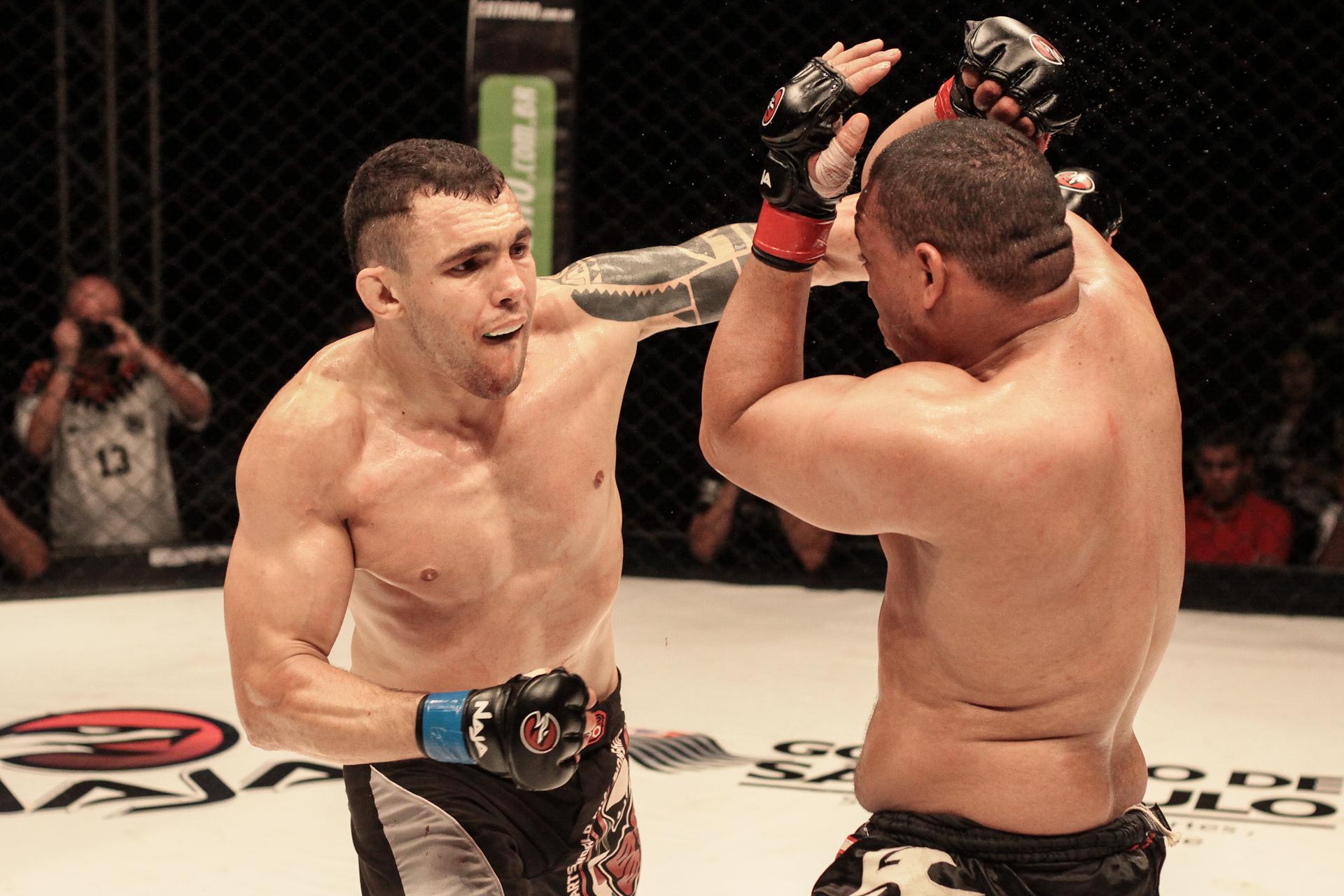Luis Banha no combate contra Fábio Silva. Foto: Fusion Photografy/Divulgação
