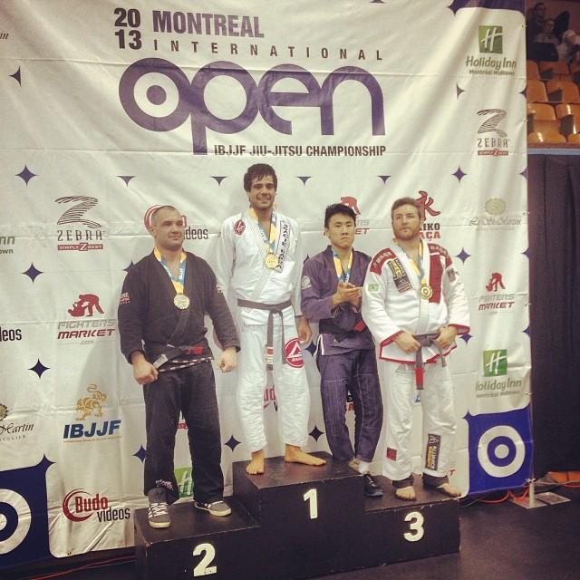 Bruno no lugar mais alto do absoluto no Montreal Open. Foto: Arquivo Pessoal
