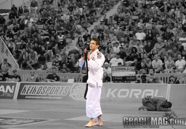 2013 BJJ Pro League Warriors: Technique conquers all for Caio Terra