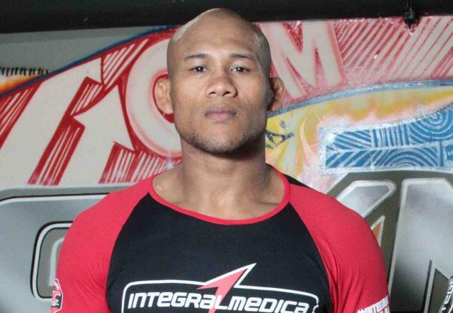 Ronaldo Jacaré prevê subida para o meio-pesado e crava vitória de Belfort no UFC