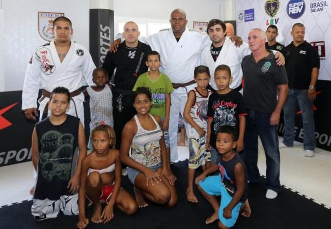 Treinador de Anderson Silva exalta Jiu-Jitsu como ferramenta social