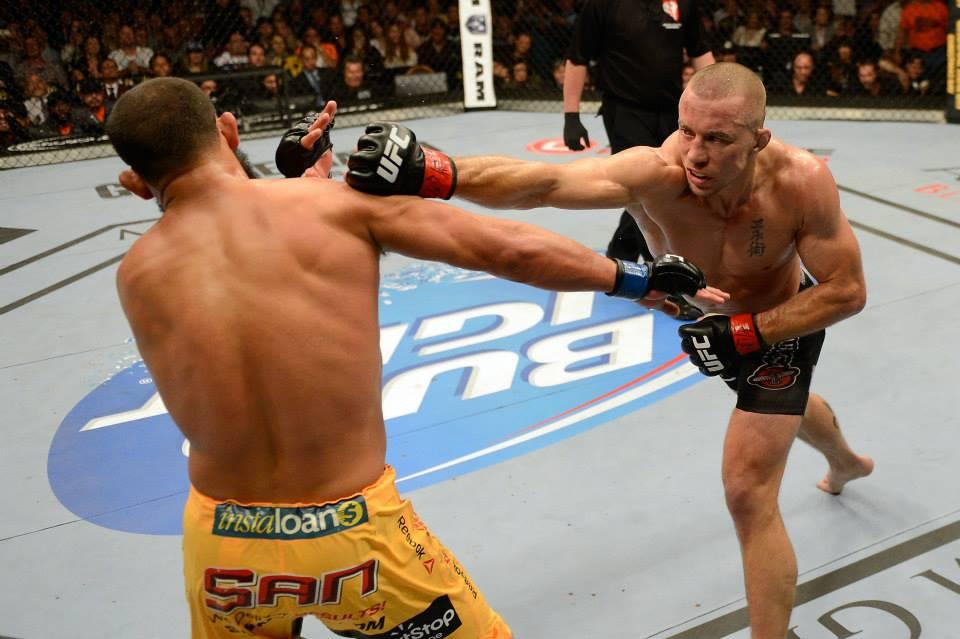St-Pierre vence Hendricks em luta de 5 rounds valendo o cinturão meio-médio. Foto: UFC/Facebook
