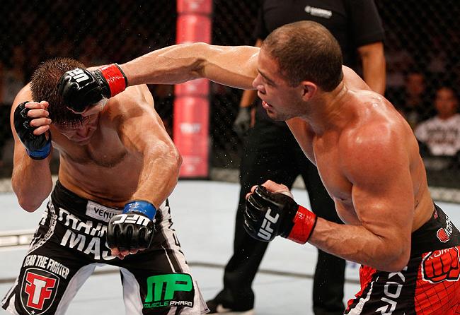 """Thales Leites quer """"bagunçar"""" a divisão de pesos médios no UFC 167"""
