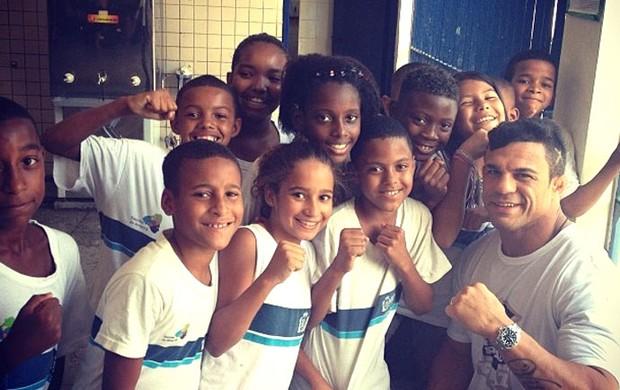 UFC: Vitor Belfort e a arte de mediar uma briga de colégio, na Cidade de Deus