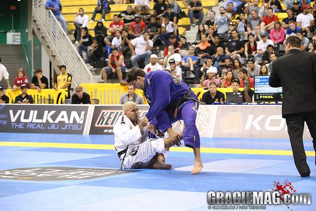 Celebrate 2014 watching 2013's best Jiu-Jitsu match