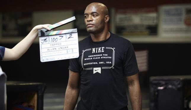 """Veja Anderson Silva dando uma de ator no filme """"Até que a sorte nos separe 2"""""""