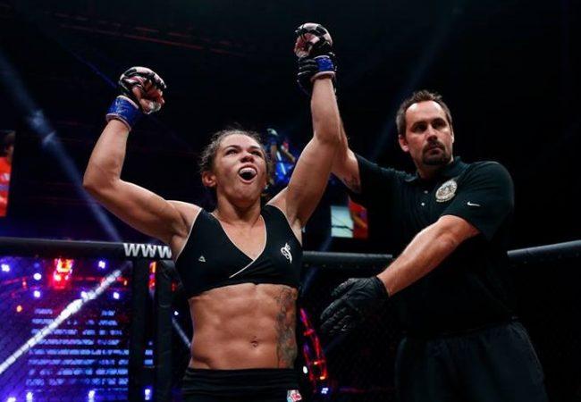 """UFC contrata 11 lutadoras do Invicta FC e planeja """"TUF"""" no peso-palha"""