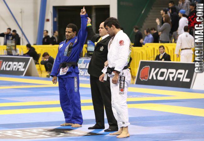 Vitor Oliveira vs. Francisco Iturralde