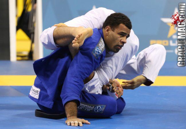 Vitor Oliveira joins IBJJF Pro League at the World Jiu-Jitsu Expo