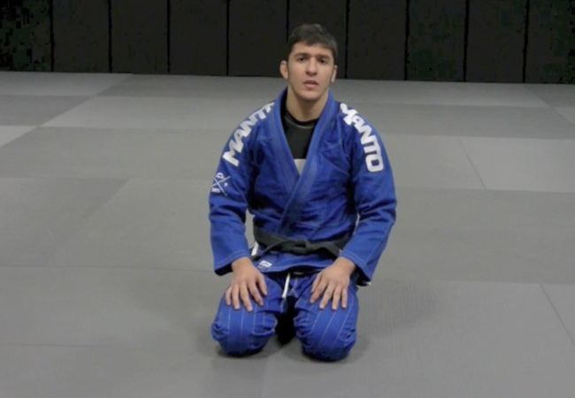 Christian Uflacker teaches how to attack a shoulder lock from side control