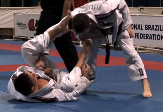 Video: Ryan Beauregard of GMA Team Beauregard BJJ used a modern pass in 2008