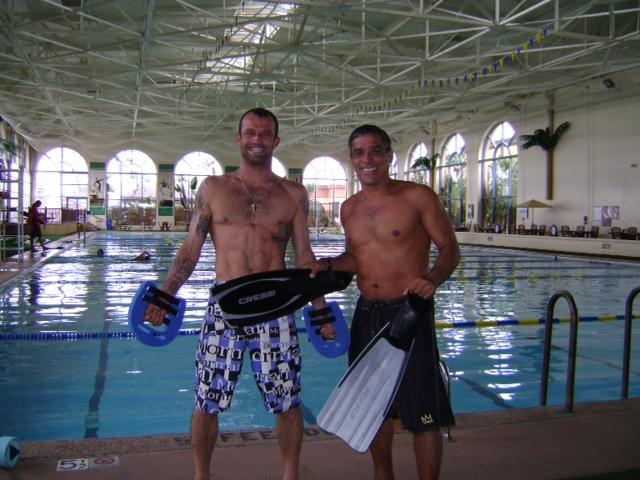 Prof. Alvaro with professional surfer Neco Padaratz