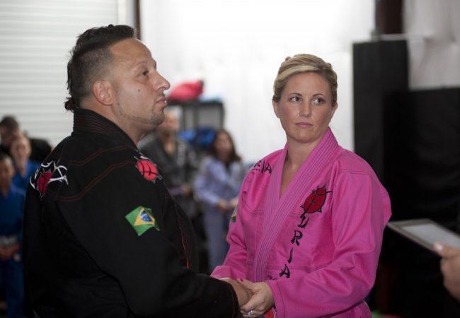 Praticantes se casam em academia de Jiu-Jitsu, na Flórida