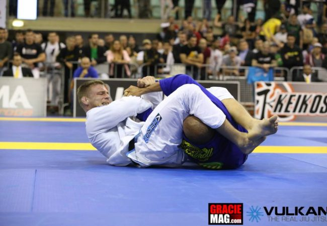 Europeu de Jiu-Jitsu 2014: veja como Alex Trans venceu Yuri Simões na final do absoluto