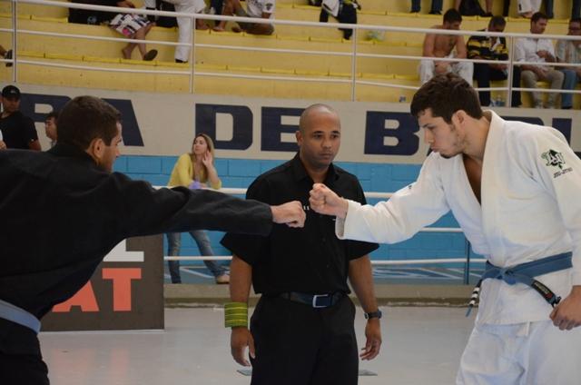 O dia em que o faixa-azul apavorou o faixa-preta de Jiu-Jitsu