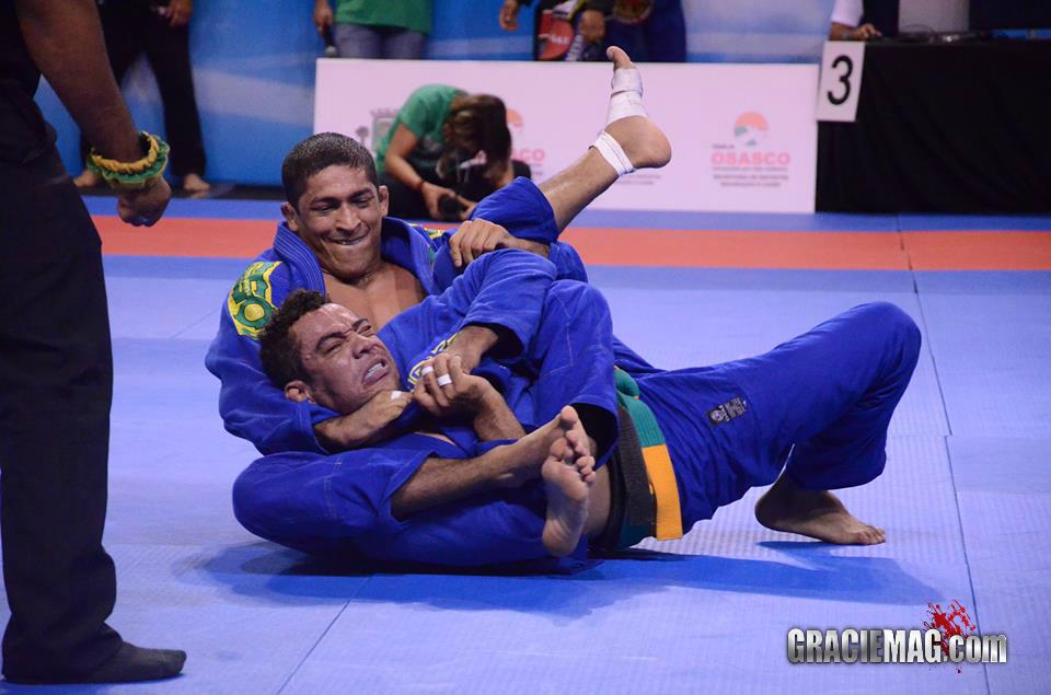Fernadinho Vieira em ação no Jiu-Jitsu. Foto: Vitor Freitas/GRACIEMAG