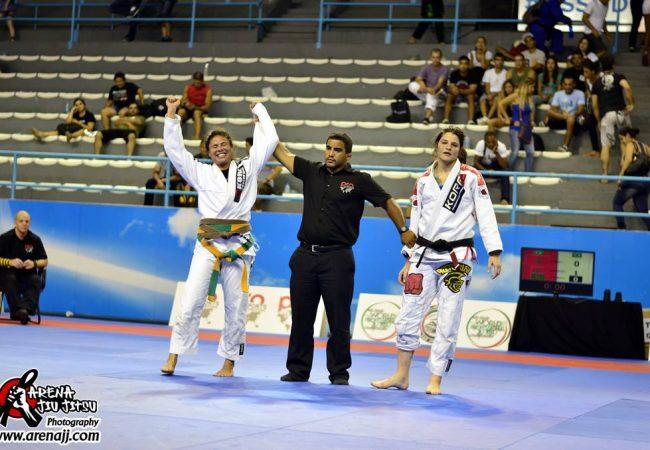 WPJJC: veja como Monique Elias venceu Talita no absoluto de Jiu-Jitsu