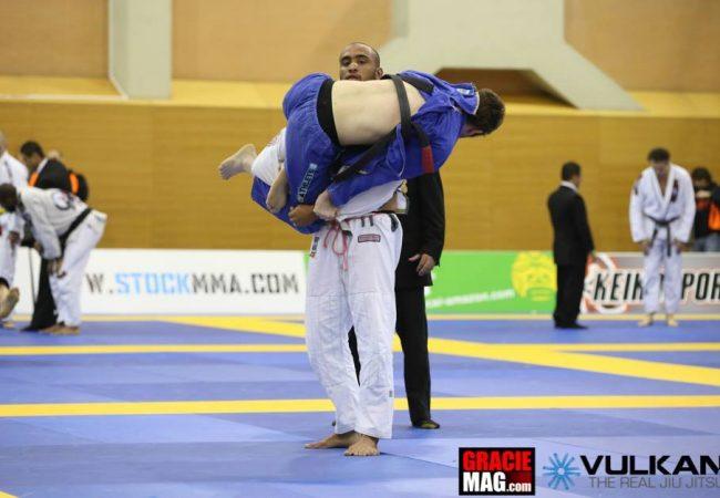 Assista aos melhores lances do absoluto faixa-preta do Europeu de Jiu-Jitsu