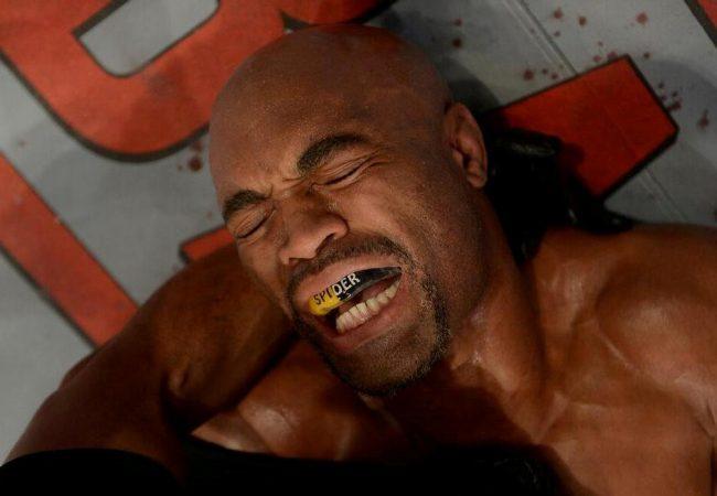 Vídeo: os bastidores e a dor de Anderson Silva no UFC 168