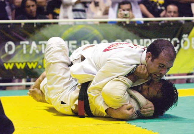 Como você passa a guarda De La Riva invertida no Jiu-Jitsu? Fabio Gurgel ensina