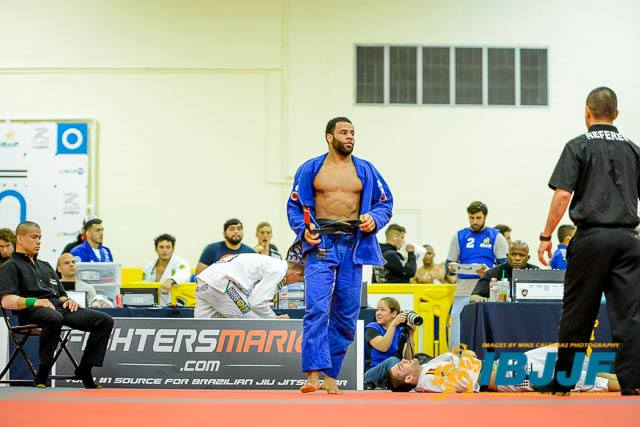 Video: See how Vitor Oliveira won his middleweight division at the IBJJF Houston Open