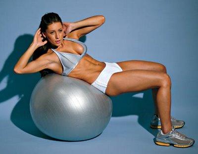 Que tal aquecer ou treinar os movimentos do Jiu-Jitsu com ajuda da bola?