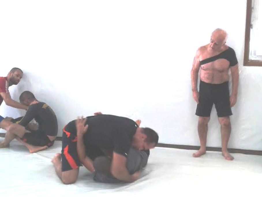 Cigano treina Jiu Jitsu na Nova Uniao sob olhares de mestre Beto Leitao