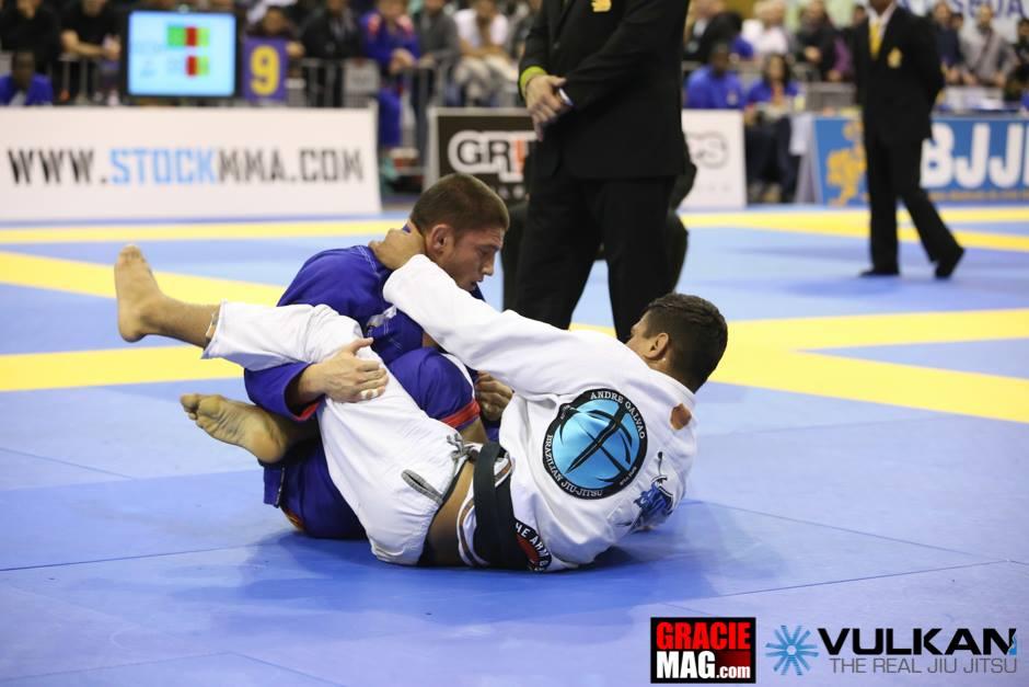 Claudio Calasans em combate contra JT Torres, também da Atos. Foto: Ivan Trindade/GRACIEMAG