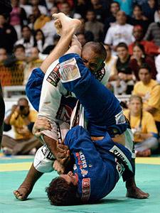 Ronaldo Jacaré e Roger Gracie na final do Mundial de Jiu-Jitsu de 2004: luta épica.